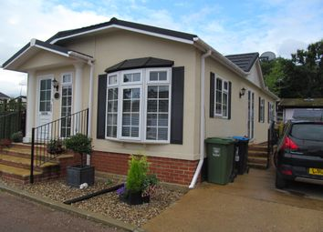 Thumbnail 2 bed mobile/park home for sale in Scatterdell Park, Scatterdell Lane (Ref 5393), Chipperfield, Kings Langley, Hertfordshire