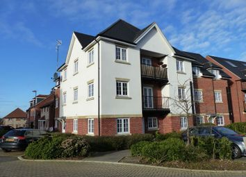 Thumbnail Flat to rent in Wellesbourne Crescent, High Wycombe