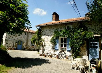 Thumbnail 4 bed property for sale in Poitou-Charentes, Charente, Chassenon