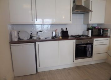 Thumbnail 2 bed flat to rent in Robinson Road, London