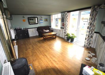 Thumbnail 4 bed bungalow to rent in Kennet Road, Wroughton, Swindon