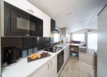 2 bed mobile/park home for sale in Crows Lane, Northampton NN3