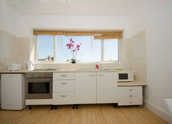 Thumbnail 1 bed flat to rent in Oxberry Avenue, Fulham