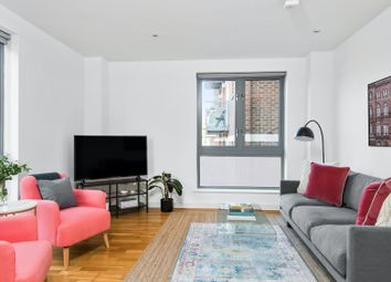 Serviced flat to rent in Hoxton Square, London N1
