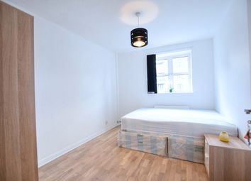 Thumbnail Room to rent in Sherwood Gardens, Canary Wharf