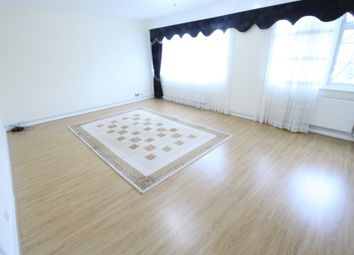 Thumbnail 3 bed flat to rent in Beale Close, Palmers Green