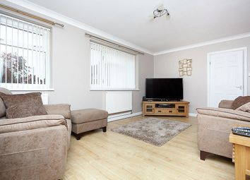 Thumbnail 2 bed flat for sale in Holm Garth Drive, Hull, East Yorkshire