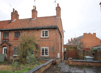 Thumbnail 2 bed cottage for sale in 153 Barnbygate, Newark, Nottinghamshire.