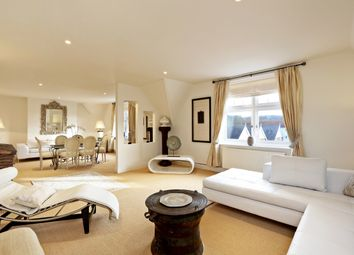 Thumbnail 4 bed flat to rent in 12 Royal Mansions, Station Road, Henley-On-Thames, Oxfordshire