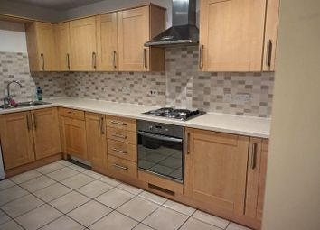 Thumbnail 2 bedroom flat to rent in Holly Street, Luton