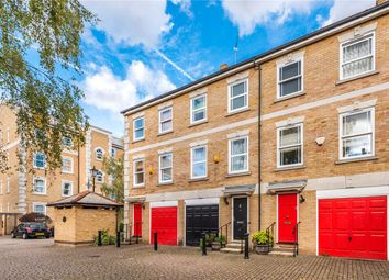 Thumbnail 4 bed town house to rent in Clarence Mews, London