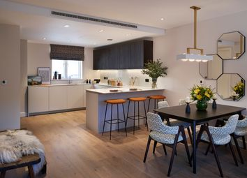 Thumbnail 1 bed flat for sale in Bishops Gate, Fulham High Street