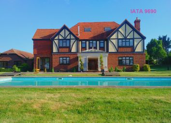Thumbnail 6 bed detached house for sale in Gildenhill Farmhouse, Gildenhill Road, Swanley