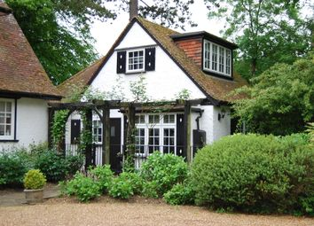 Thumbnail 1 bed cottage to rent in Chalfont Lane, Chorleywood, Herts