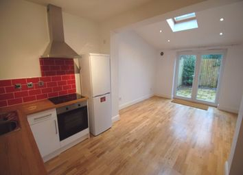 Thumbnail 1 bed flat to rent in Cornwall Avenue, Finchley Central
