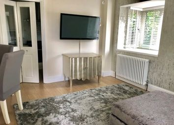 Thumbnail 1 bed property to rent in Lake Avenue, Rainham