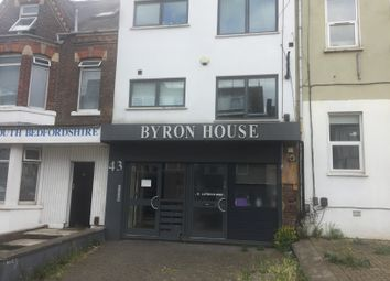 Thumbnail 2 bed flat to rent in 43 Cardiff Road, Luton