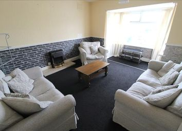 2 bed flat to rent in Vicarage Lane, Blackpool FY4