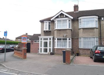 Thumbnail 3 bed property to rent in Berkley Avenue, Waltham Cross, Cheshunt