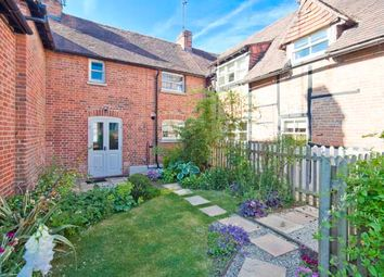 2 Brewery Cottages, Goring On Thames RG8. 2 bed cottage