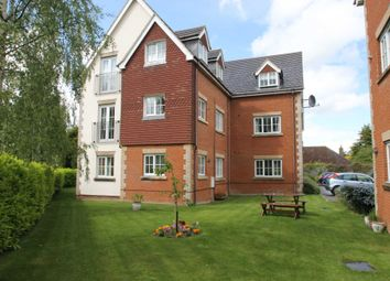 Thumbnail 2 bed flat to rent in London Road, Aston Clinton, Buckinghamshire