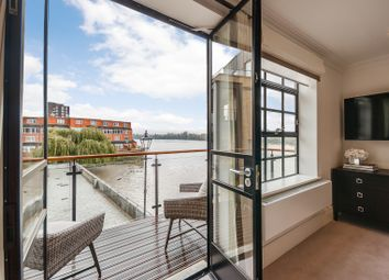 Thumbnail 3 bed flat to rent in Port Penthouse, Rainville Road, London