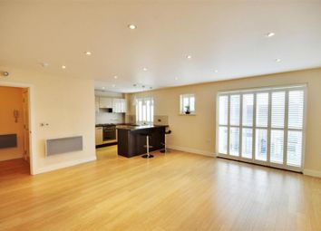 Thumbnail 2 bed flat to rent in Whippendell Road, Watford, Hertfordshire