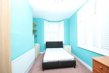 4 bed flat for sale in Camborne Road, London SW18