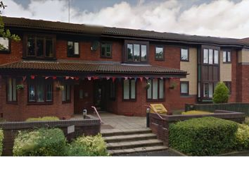 Thumbnail 3 bed flat to rent in Glebe Street, Shaw