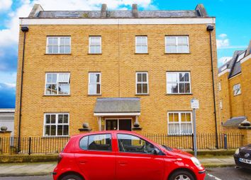 Thumbnail 2 bedroom flat for sale in Clapton Square, London
