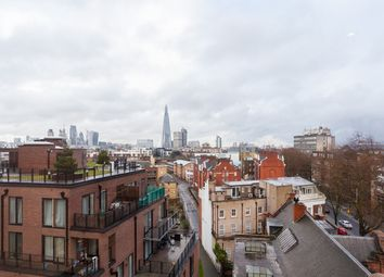 Thumbnail 3 bedroom flat to rent in Blackfriars Circus, London