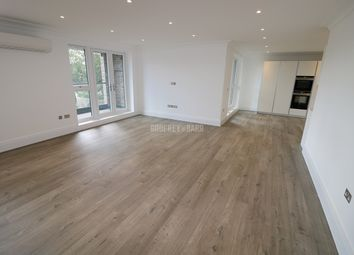 Golders Green Road, London NW11. 3 bed flat for sale