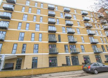 Victoria Avenue, Southend-On-Sea SS2. 1 bed flat