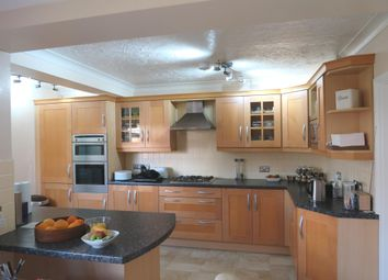 Thumbnail 6 bed detached house for sale in Aberdeen Close, Stamford