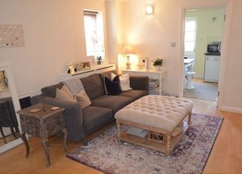 Thumbnail 2 bed property to rent in Kensington Close, London