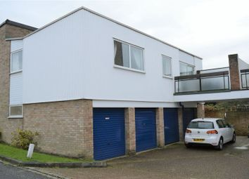 Thumbnail 2 bed maisonette to rent in Kempton Walk, Croydon