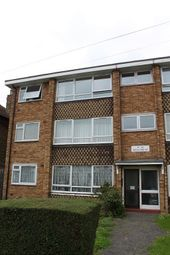 Thumbnail 3 bed flat to rent in Wellwood Road, Seven Kings, Ilford