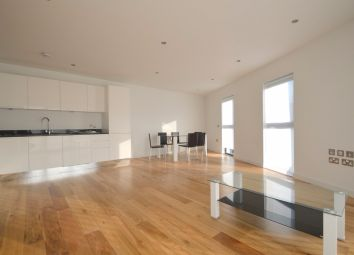 Thumbnail 4 bed flat to rent in Boleyn Road, London