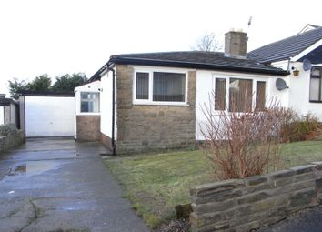 2 bed semi-detached house to rent in West View Close, Shipley BD18