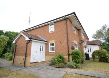 Thumbnail 1 bed property to rent in Master Close, Woodley, Reading