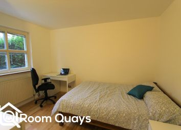 Thumbnail Property to rent in Princes Court, London