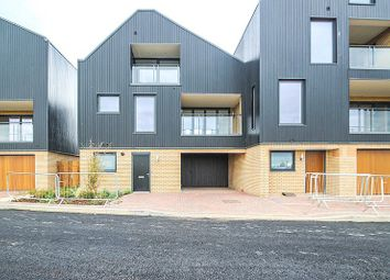 Thumbnail 4 bed detached house to rent in Southwell Drive, Trumpington, Cambridge