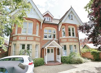 Thumbnail 2 bed flat to rent in Rawlinson Road, Oxford