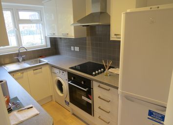 Thumbnail 2 bed flat to rent in Park Gate, East Finchley