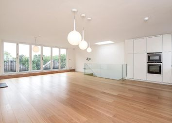 Thumbnail 4 bed flat to rent in Airlie Gardens W8,