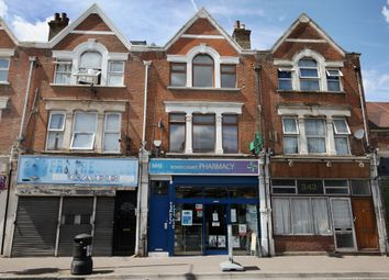 Thumbnail 3 bedroom flat to rent in Grove Green Road, Leytonstone