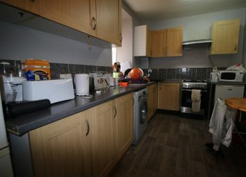 Thumbnail 6 bed flat for sale in Gill Street, London