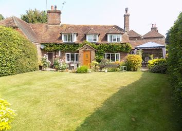 Thumbnail 2 bed cottage for sale in Chapel Barn Close, Hailsham