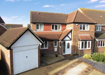Thumbnail 4 bed detached house for sale in Kestrel Way, Sandy