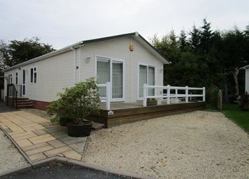 Thumbnail 2 bed mobile/park home for sale in Barton Road, Welford On Avon, Stratford-Upon-Avon
